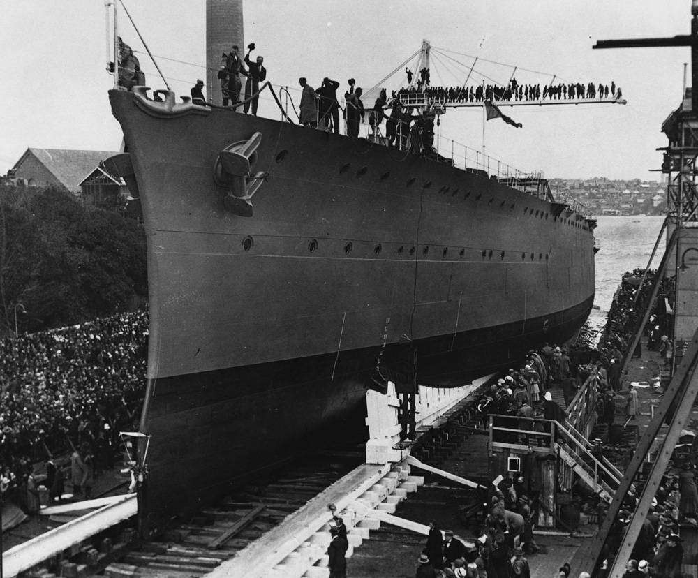 HMAS Brisbane_Launch